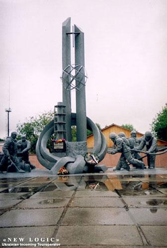 Памятник пожарникам