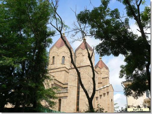 Церковь в Новороссийске cerk-novoross.jpg