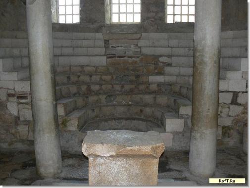 st-nikolas-altar10.jpg