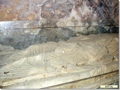 st-nikolas-sarkofag11.jpg