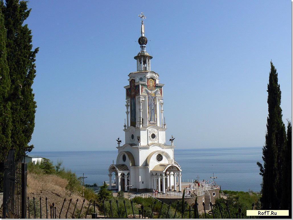Храмы и церкви: www.roft.ru/category/hram